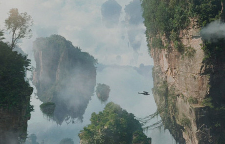 Летающие горы Пандоры с вырощенными на них джунглями