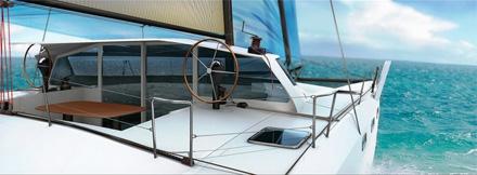 3D-катер на бирюзовом море
